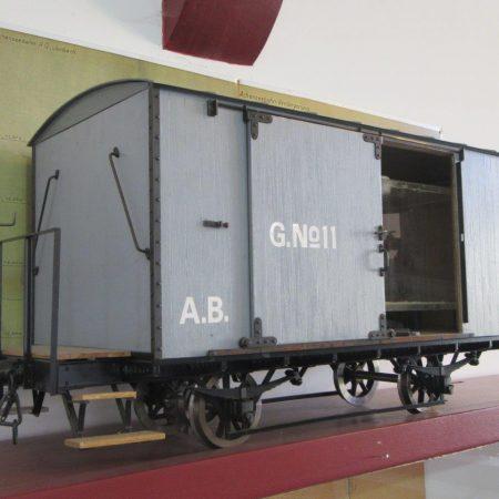 Der einzige geschlossene Güterwagen (ex Gaisbergbahn 1886) (Foto: Mackinger, 2017)
